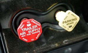 air supply tractor trailer air brakes spring brakes low psi warning cdl test